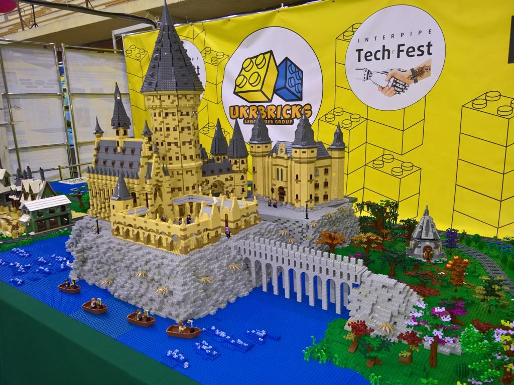 Експозиція спільноти UkrBricks на фестиваліInterpipe TechFest 2018